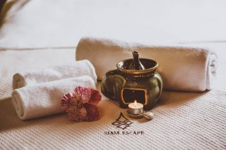 Deep Tissue Heated Oil Massage at Siam Eescape Thai Massage Therapy Chatswood